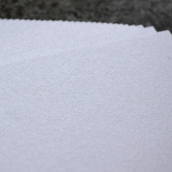 DIN A4 - 290 g/m2 Karton Weiß irisierend